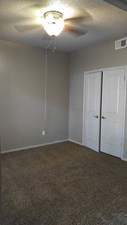 Bedroom at Listing #140511