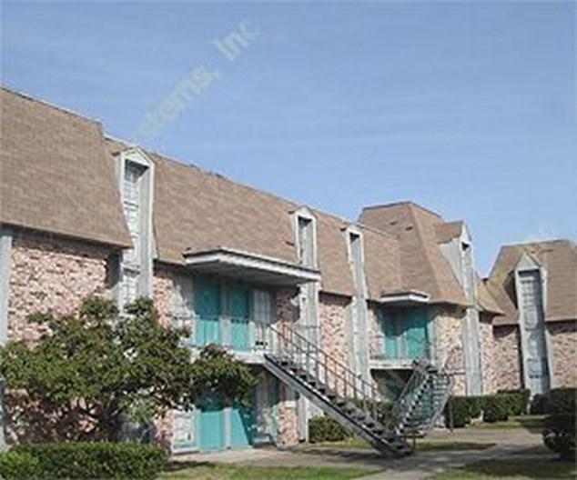 La Peak Apartments