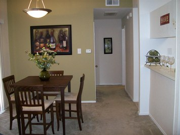 Dining at Listing #136303