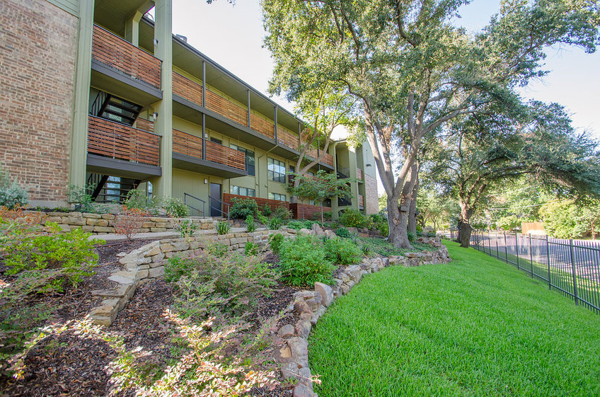 Avondale Parc at Bellmar Apartments Dallas TX