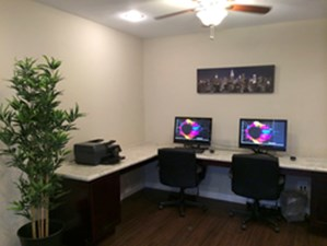 Business Center at Listing #139584
