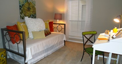 Bedroom at Listing #138949