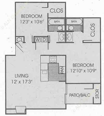 1,021 sq. ft. B2 floor plan
