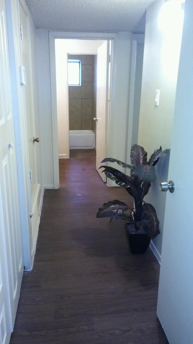 Hallway at Listing #140812