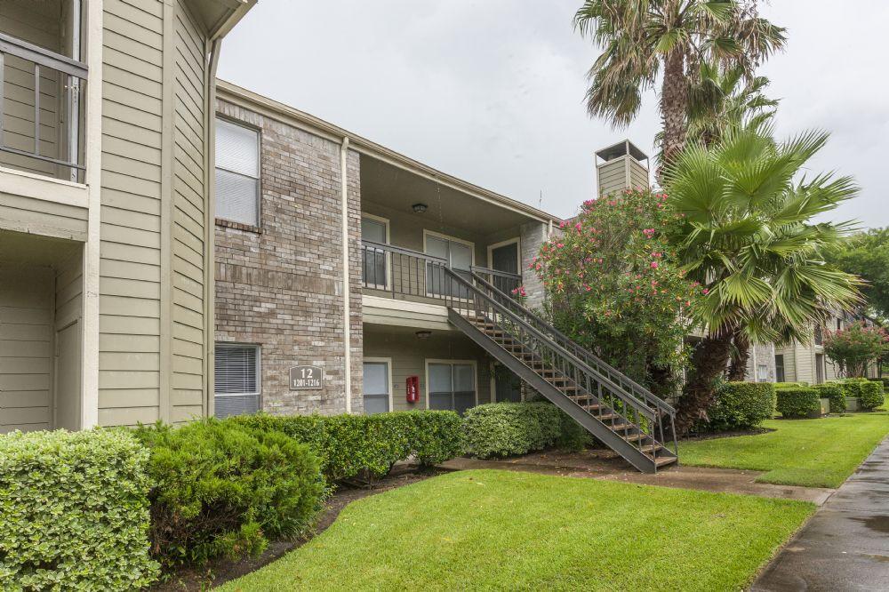 Skyhawk Apartments Friendswood TX