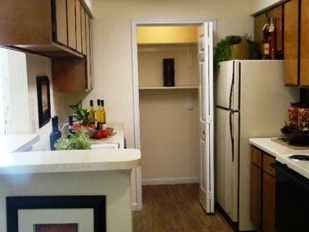 Kitchen at Listing #139868