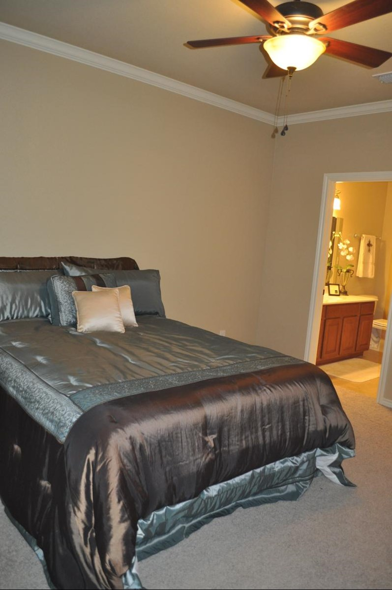 Bedroom at Listing #235130