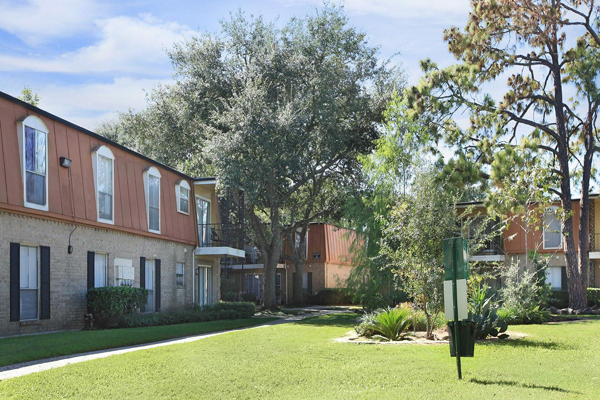 Exterior at Listing #139267