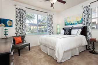 Bedroom at Listing #137796
