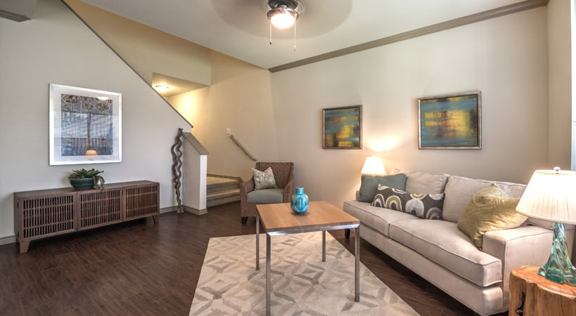 Living Room at Listing #149819