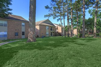 Exterior at Listing #139016