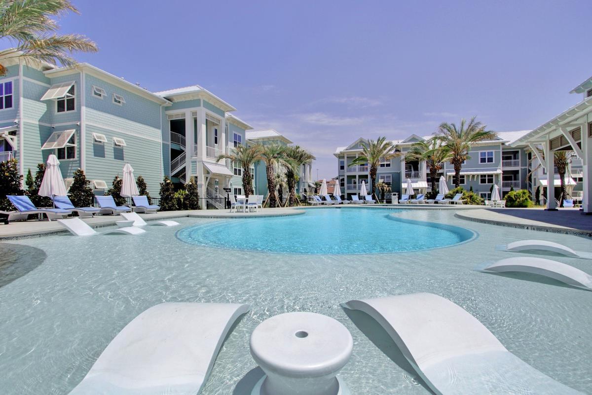 Pool at Listing #300334