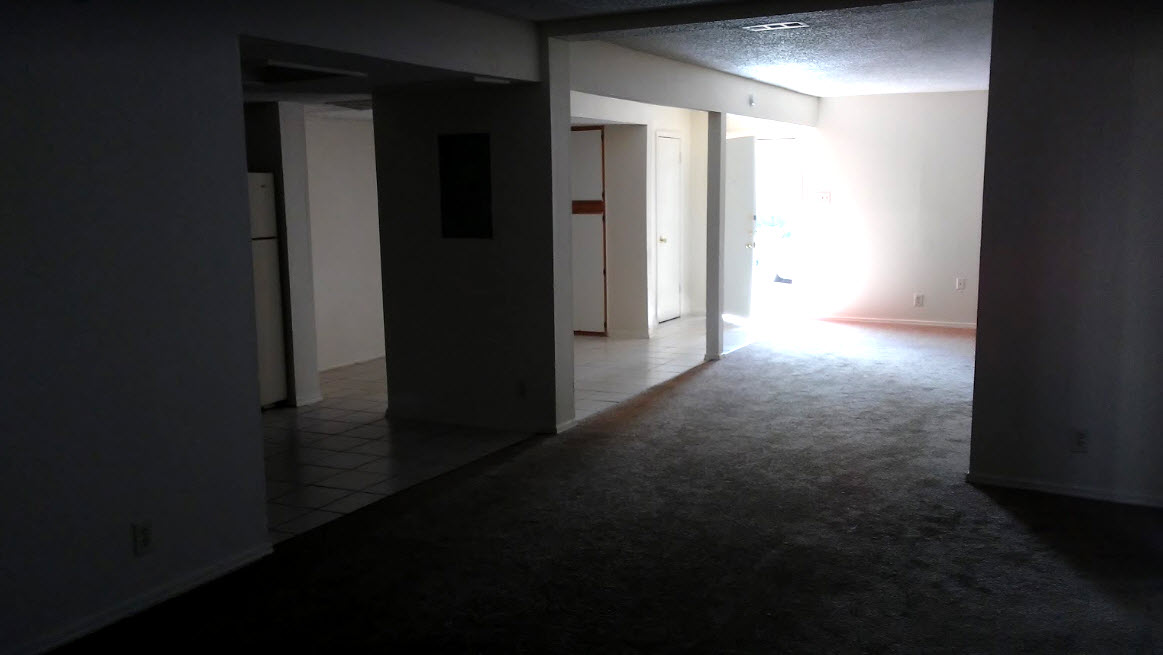 Living Area at Listing #137400