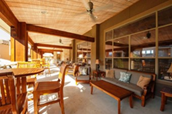 Lounge at Listing #147707