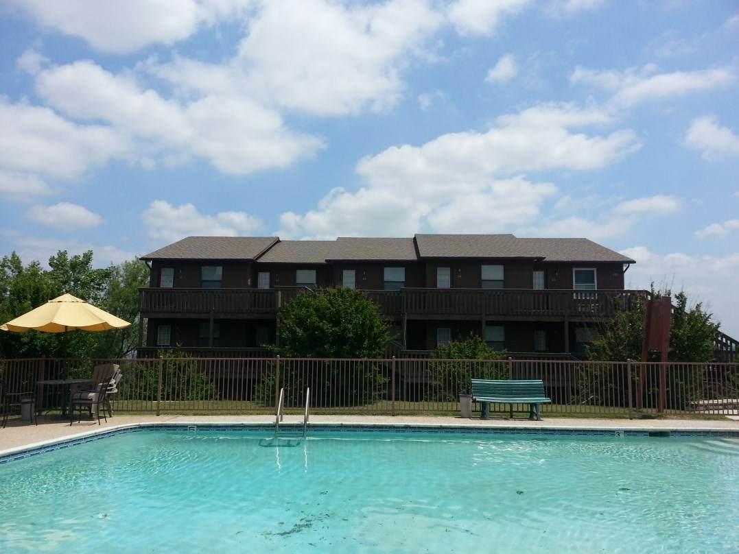 Lake Retreat Apartments Granbury TX