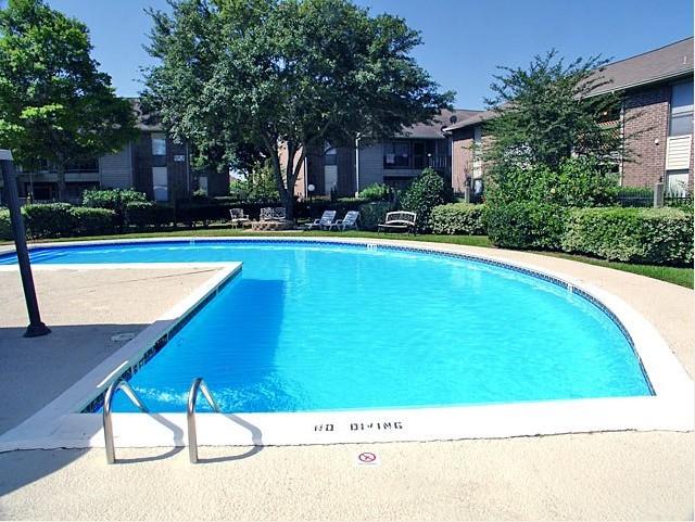 Pool at Listing #138478