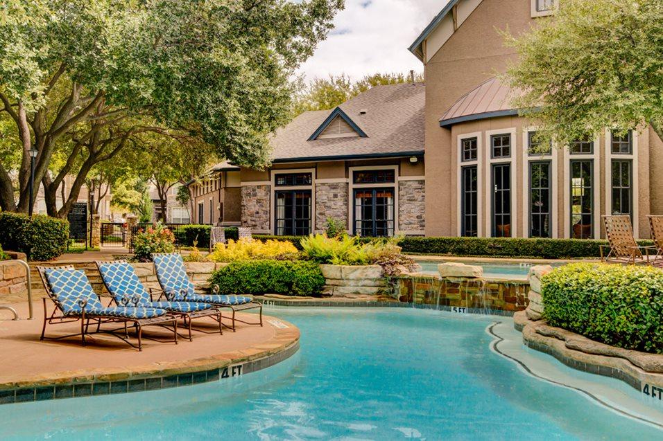 Pool at Listing #137602