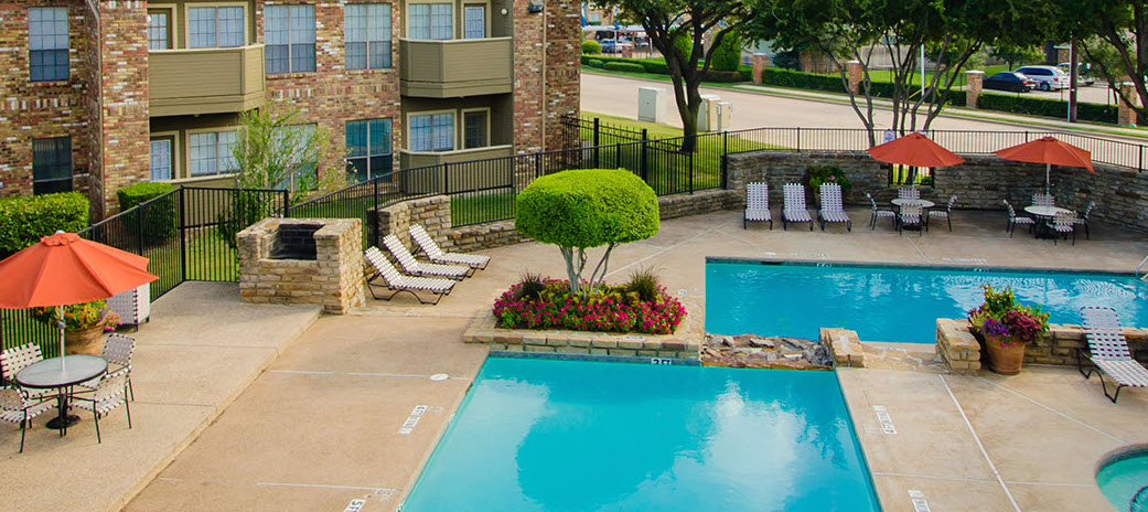 Pool at Listing #136582