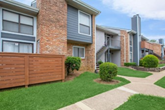 Exterior at Listing #135723