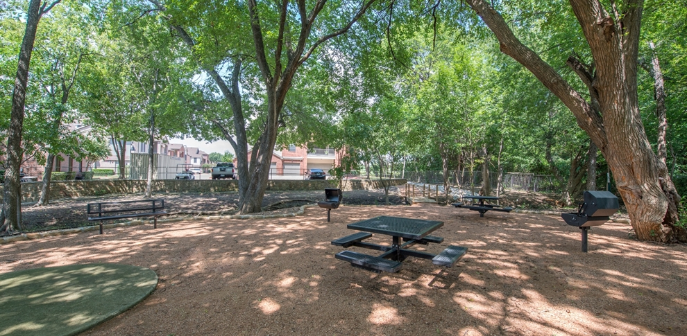 Picnic Area at Listing #138103