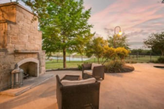 Fire Pit at Listing #145723
