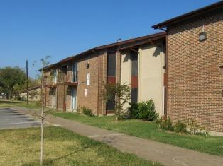 Exterior at Listing #137528