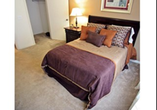 Bedroom at Listing #141377