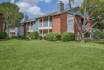 Exterior at Listing #135994
