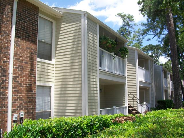 Exterior at Listing #138594