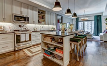 Living/Kitchen at Listing #150412