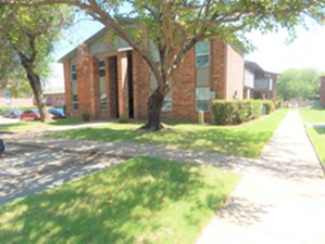 Exterior at Listing #137256