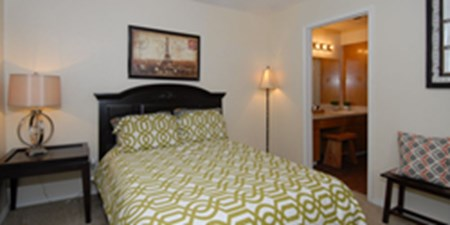 Bedroom at Listing #140819