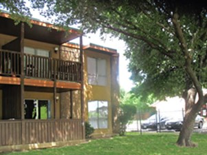 Exterior at Listing #136737
