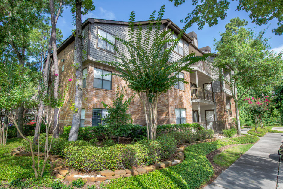 Exterior at Listing #139314