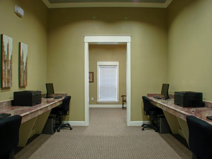 Business Center at Listing #144662