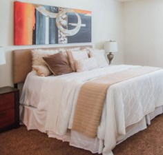 Bedroom at Listing #307385