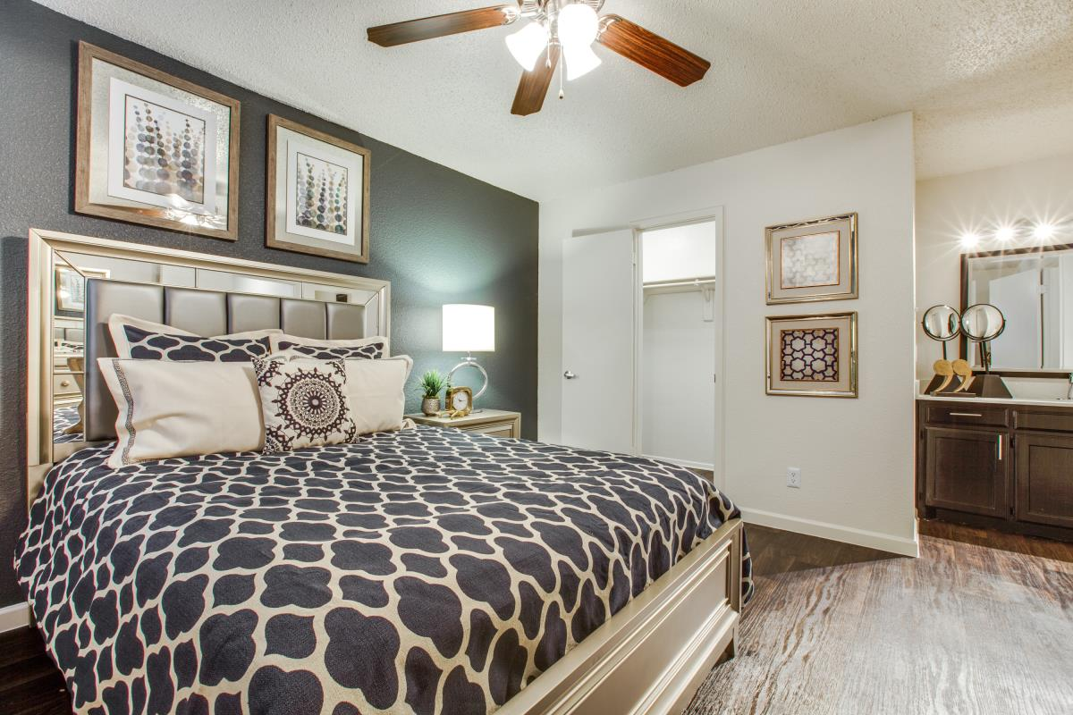 Bedroom at Listing #136874