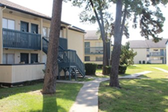 Exterior at Listing #138521