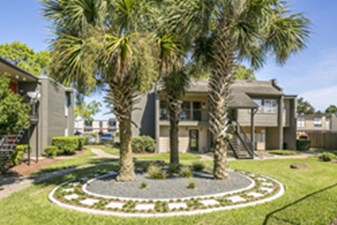 Exterior at Listing #138301