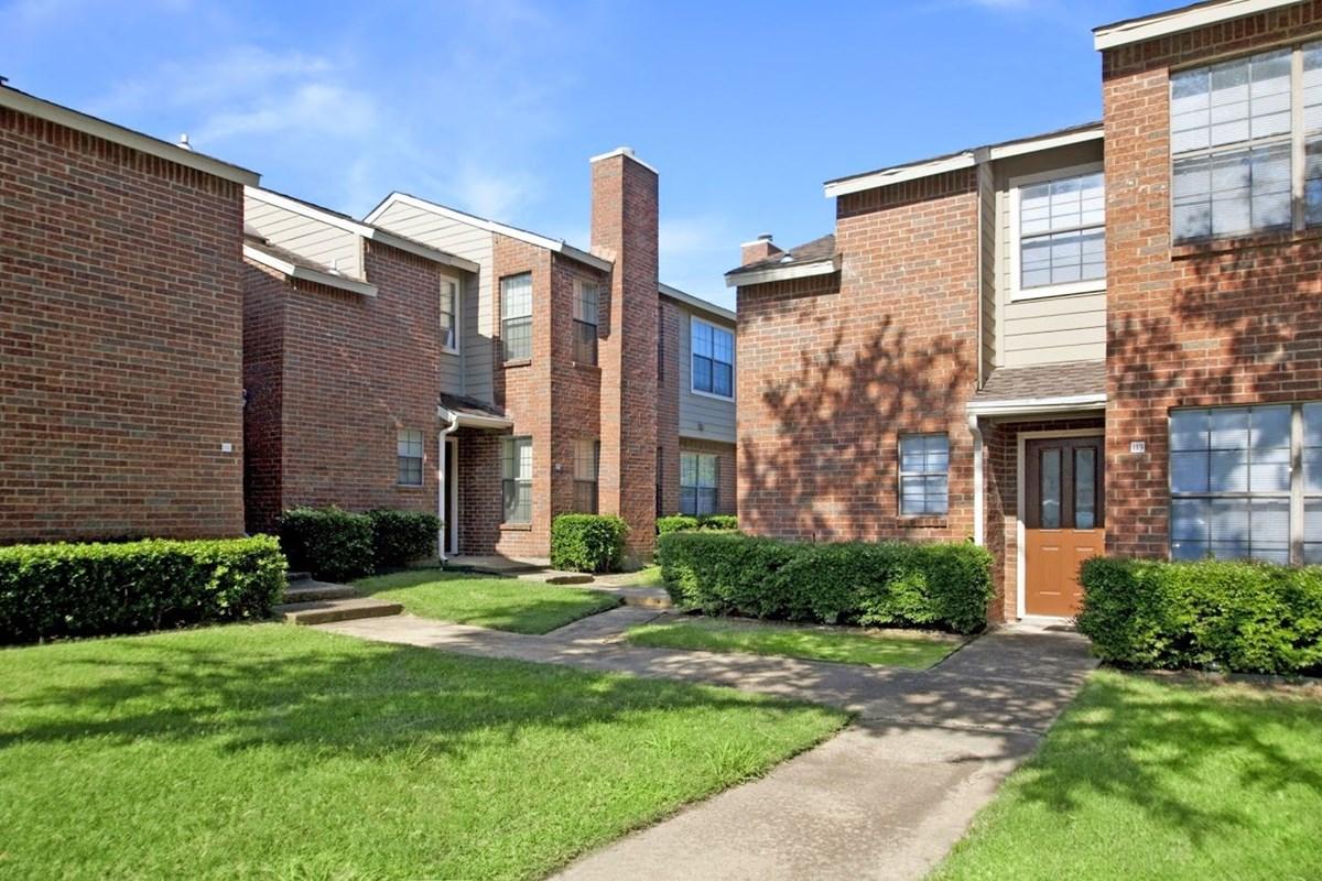 Amberly Village Apartments Garland, TX
