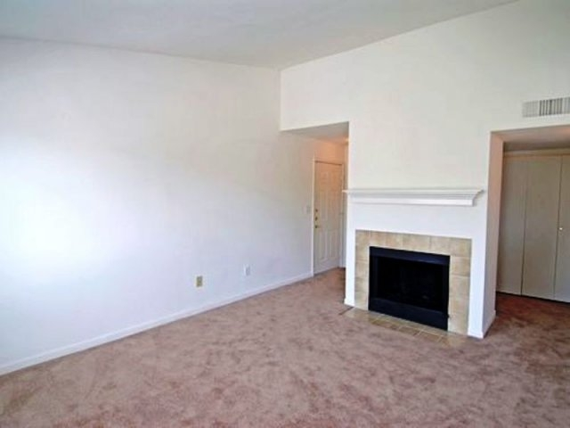 Living at Listing #139027