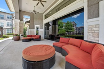 Lounge at Listing #146162