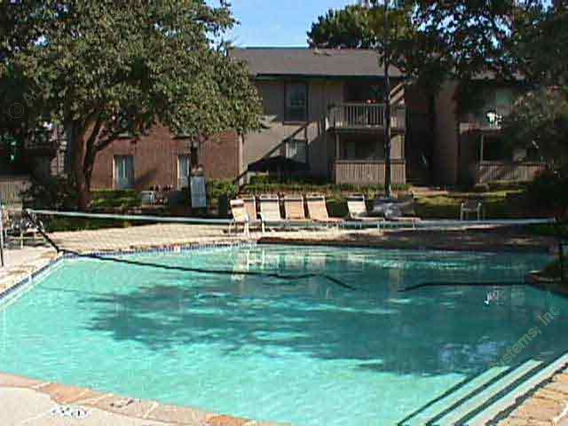 Bluffs in the Village Apartments Dallas TX