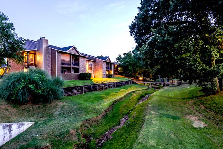Bristol Grapevine Apartments Grapevine TX