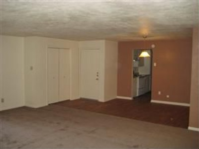 Living at Listing #137212