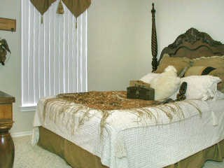Bedroom at Listing #143454