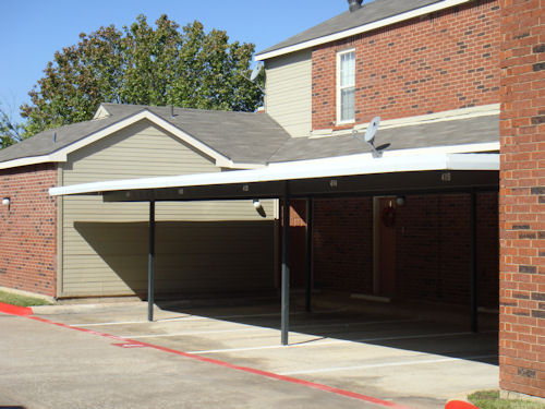 Exterior at Listing #136936