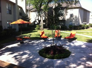 Courtyard at Listing #138934