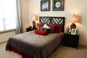 Bedroom at Listing #149950