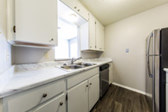 Kitchen at Listing #140431